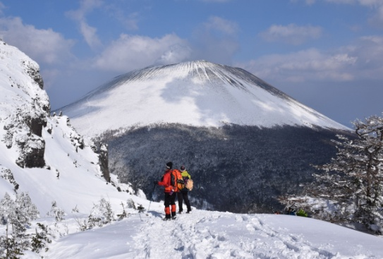 20_浅間山を見ながら下る.JPG