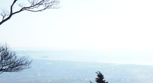 D:\D-DRV\横浜ハイキングクラブ\機関誌部マスタデータ\「四季原稿」\2014\2015年02月号\写真\20141207_大山山頂からの眺望.JPG