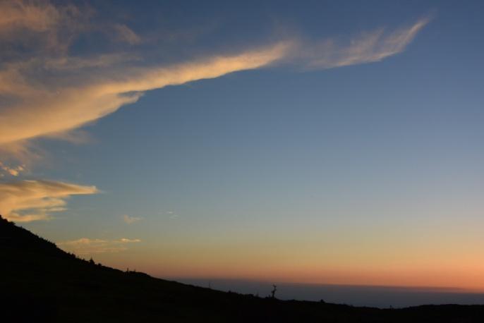 D:\D-DRV\横浜ハイキングクラブ\機関誌部マスタデータ\「四季原稿」\2014\2014年10月号\写真個人山行北アルプス\2_太郎小屋よりの夕景2.JPG