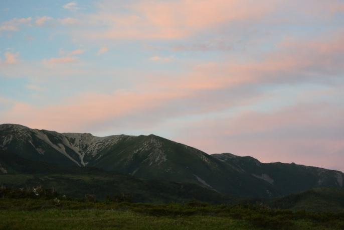 D:\D-DRV\横浜ハイキングクラブ\機関誌部マスタデータ\「四季原稿」\2014\2014年10月号\写真個人山行北アルプス\3_太郎小屋よりの夕景3.JPG