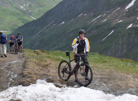C:\Users\miyakawa-s\Desktop\ツールドモンブラン四季後編写真\203_アルプスを自転車で行く.JPG