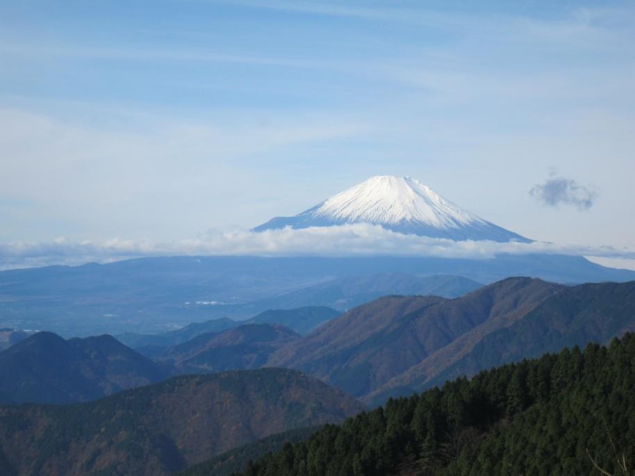 C:\Users\SuzukiShigehiko\Documents\横浜ハイキングクラブ\丹沢\ヤ塔ノ岳20161120\CIG_IMG011.jpg
