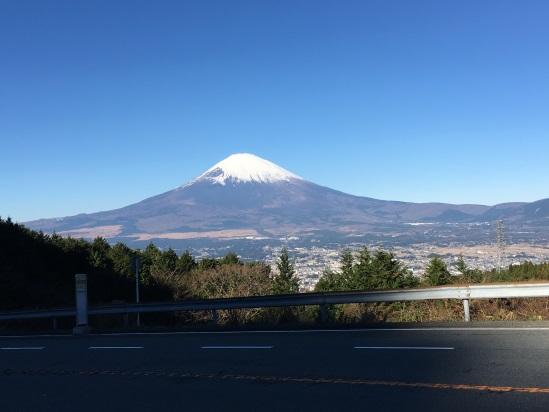 C:\Users\miyahara\Desktop\機関誌作成\四季原稿17年2月号462\乙女峠の富士山.JPG