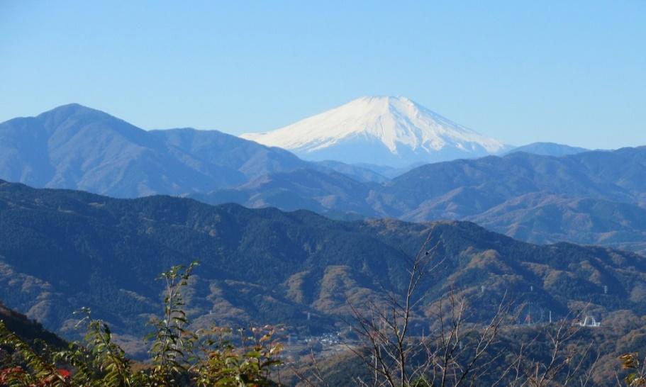 C:\Users\SuzukiShigehiko\Documents\横浜ハイキングクラブ\奥多摩\高尾山\20171125\CIG_IMG020.jpg