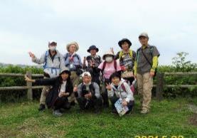 D:\横浜ハイキングクラブ\YHC四季報\四季報2021年\猿島~海軍史跡巡り、写真\3.猿島広場にて P1070792.jpg